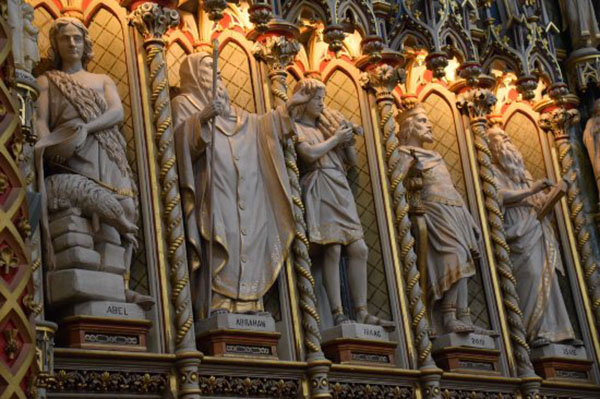 notre dame misionaries statue